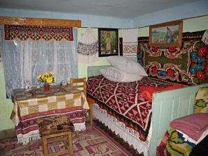 The guest room of a friendly shepherd by the lake Colibita