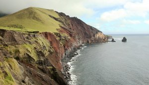 Seaside cliffs, quite a similarity with South-East England.