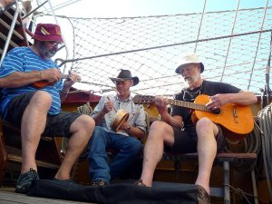 A rare treat: music on the deck. Photo by Sandra Teräs.