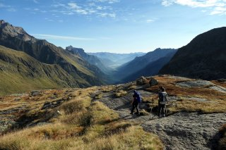 Colours of a September morning on the Stubai Alps with Sandra and Ieva.