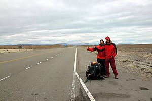 Hitchhiking on the side of the road 40. Photo by Rafael from Brazil.
